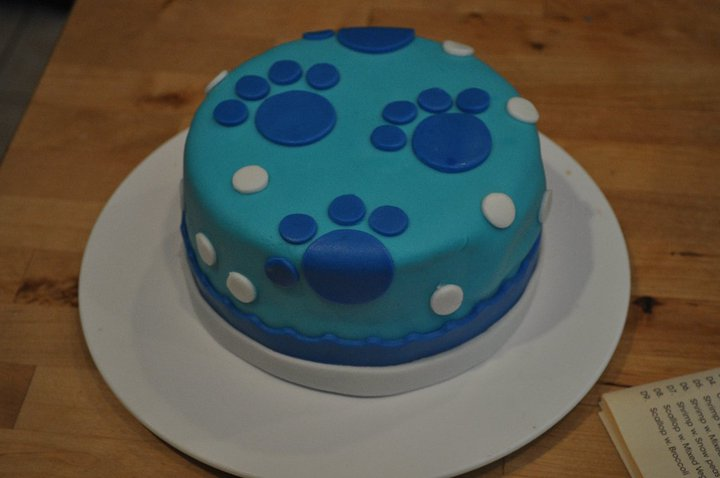 This Blues Clues Cake Was Made With Fondant Icing