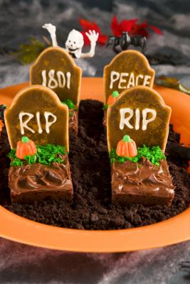 Halloween Brownies with Cookie Tombstones