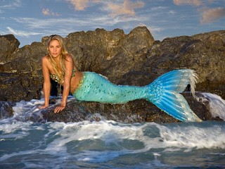 Meet Hannah Fraser Who Is Just Like A Mermaid
