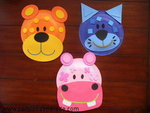 Look at these cute paper plate craft kits and find out where you can get one too.