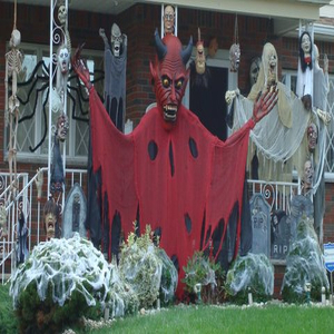 Scary Halloween Pictures and Decorations